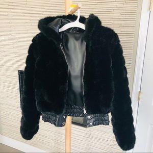 Reversible black cropped jacket faux fur/leather